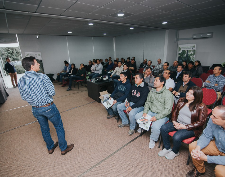 growers meeting about substrate culture Chile